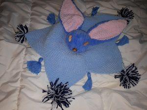 Doudou lapin au tricot